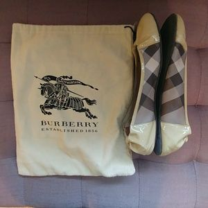 Burberry Flats